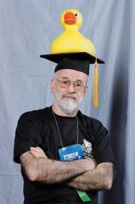 Pratchett at TORCON. Picture from http://icanwritefunny.blogspot.com