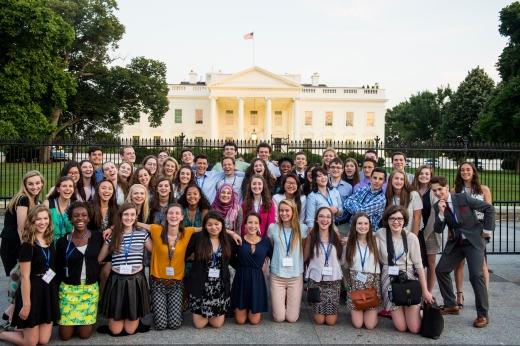 The 2016 Al Neuharth Free Spirit Scholars visit the city of Washington, DC. (Photo courtesy of the Newseum Institute)