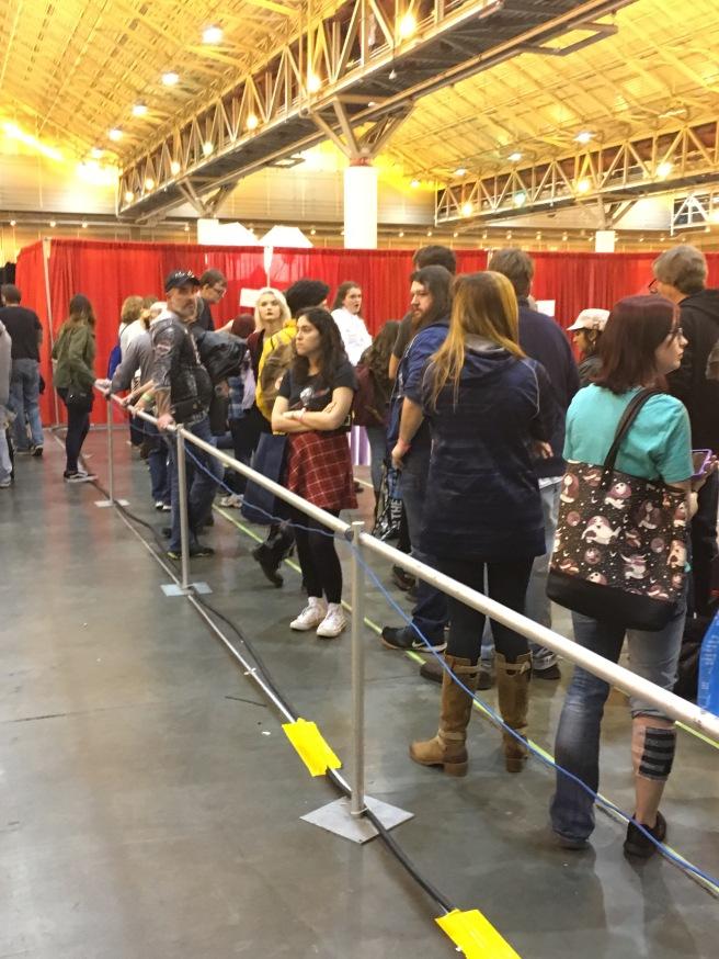 Fans wait for a photo-op with Walking Dead actor, Steven Yeun.